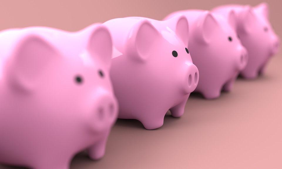Piggy Bank: Is This The Right Way To Save Money in 2020?